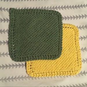 2 Knitted Dishcloths/Washcloths